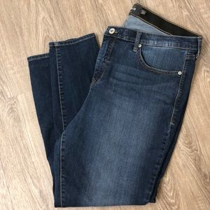 Torrid Sky High Skinny Medium wash jeans, 20R, EUC